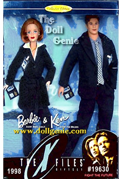 This special giftset features Barbie and Ken dolls as Special Agents Scully and Mulder from The X-Files. Dressed in fashions from the feature film, and equipped with reproductions of authentic badges and credentials, Scully and Mulder are about to embark on one of the most important investigations of their lives - final proof of everything theyve ever believed! The truth is out there...?