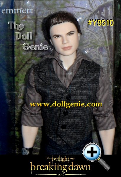 The Twilight Saga concludes with Breaking Dawn Part 2 late this year. This assortment completes its own series with the final three members of the Cullen vampire coven. Never one to miss a fight, Emmett prepares to battle the Volturi in a button-front shirt, vest, jeans, and a wrist cuff embellished with the Cullen crest.