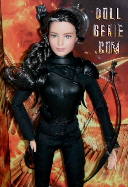 The Hunger Games: Barbie as KATNISS in Mockingjay - Part 2 now brings the franchise to its powerful final chapter in which Katniss Everdeen realizes the stakes are no longer just for survival - they are for the future. With the nation of Panem in a full scale war, Katniss confronts President Snow in the final showdown. Teamed with a group of her best friends - including Gale, Finnick and Peeta - Katniss goes off on a mission with the unit from District 13 as they risk their lives to liberate the citizens of Paneum, and stage an assassination attempt on President Snow who has become increasingly obsessed with destroying her. The mortal traps, enemies, and moral choices that await Katniss will challenge her more than any arena she faced in the Hunger Games rn