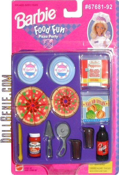 All of the accessories Barbie needs to have a great Pizza Party with her friends.