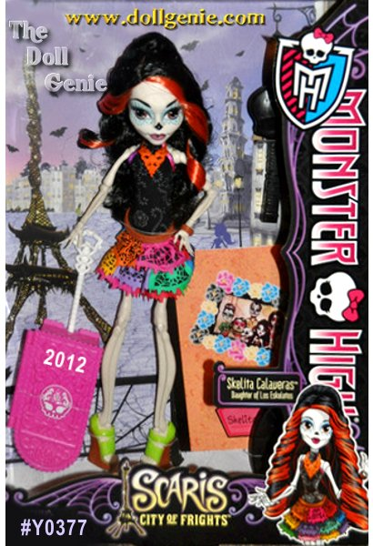 Skelita Calaveras Scaris City of Frights - Jinafire Long Scaris City of Frights - The ghouls of Monster High are hitting the skies for their first trip abroad together in monster style! Their destination is the infamous hometown of Rochelle Goyle. A popular destination for jet-setting ghouls, Clawdeen Wolf, Frankie Stein and Rochelle Goyle meet two new friends while traveling the city: Skelita Calaveras and Jinafire Long. With their funky fashions and journaling ways, they fit right in with the Monster High crew. Each doll wears a new travel outfit complete with jewelry and comes with a rolling suitcase and travel journal or sketchbook to capture those memorable moments. Also includes hair brush and doll stand for picture-perfect snapshot poses.